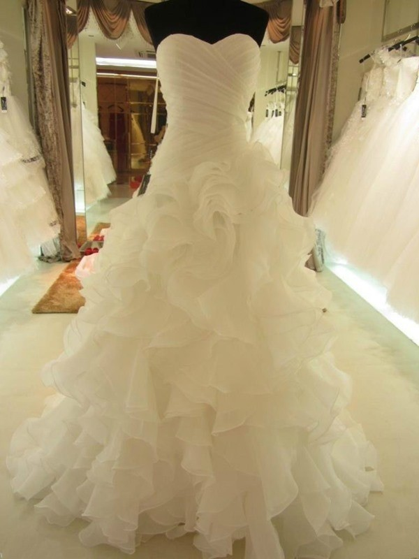 Ball Gown Ruffles Sweetheart Sleeveless Court Train Organza Wedding Dresses