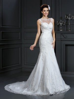 Sheath/Column Lace Bateau Sleeveless Court Train Satin Wedding Dresses