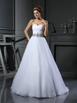 Ball Gown Beading Sweetheart Sleeveless Court Train Satin Wedding Dresses