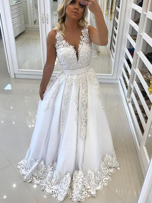 A-Line/Princess Lace V-neck Sleeveless Sweep/Brush Train Tulle Dresses