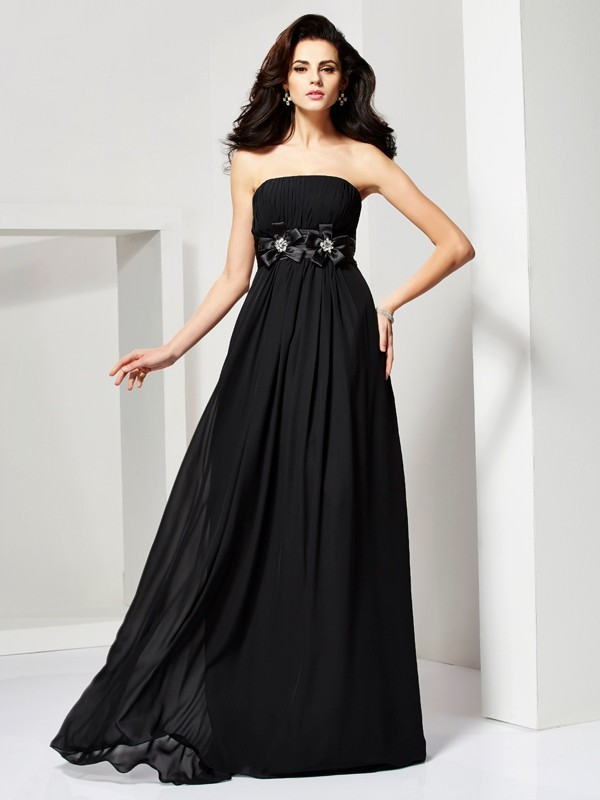 A-Line/Princess Hand-Made Flower Strapless Sleeveless Sweep/Brush Train Chiffon Dresses