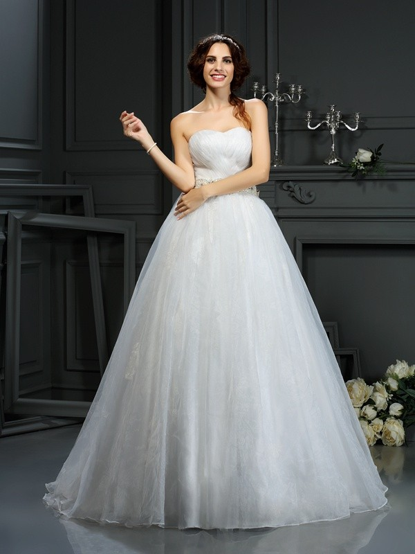 A-Line/Princess Applique Sweetheart Sleeveless Court Train Organza Wedding Dresses