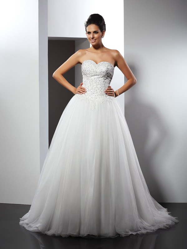A-Line/Princess Applique Sweetheart Sleeveless Chapel Train Net Wedding Dresses
