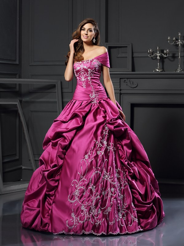 Ball Gown Applique Sweetheart Sleeveless Floor-Length Satin Dresses