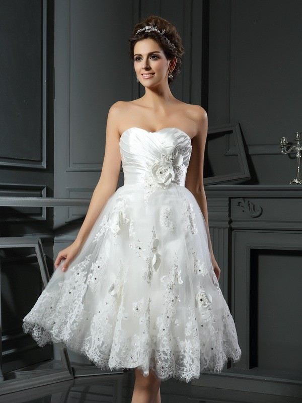 A-Line/Princess Ruched Sweetheart Sleeveless Short/Mini Satin Wedding Dresses