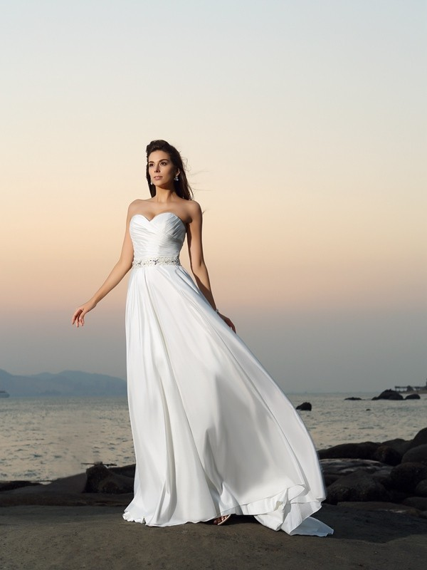 A-Line/Princess Beading Sweetheart Sleeveless Chapel Train Taffeta Wedding Dresses