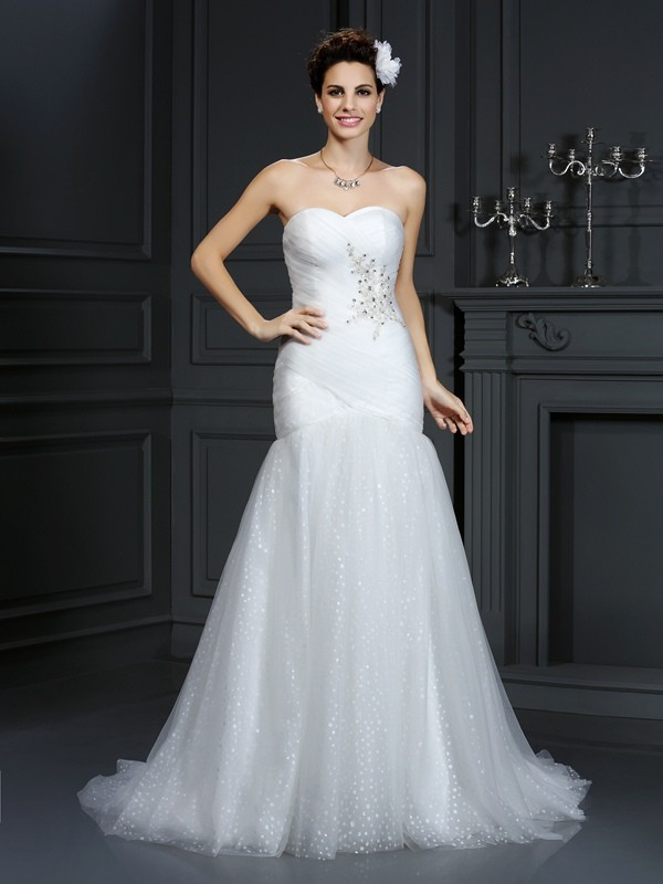 Sheath/Column Beading Sweetheart Sleeveless Court Train Net Wedding Dresses