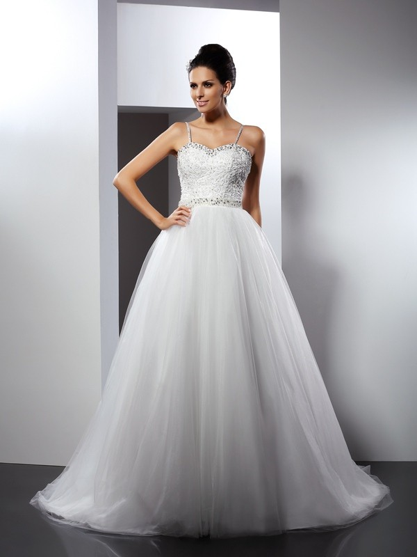 A-Line/Princess Beading Spaghetti Straps Sleeveless Chapel Train Tulle Wedding Dresses