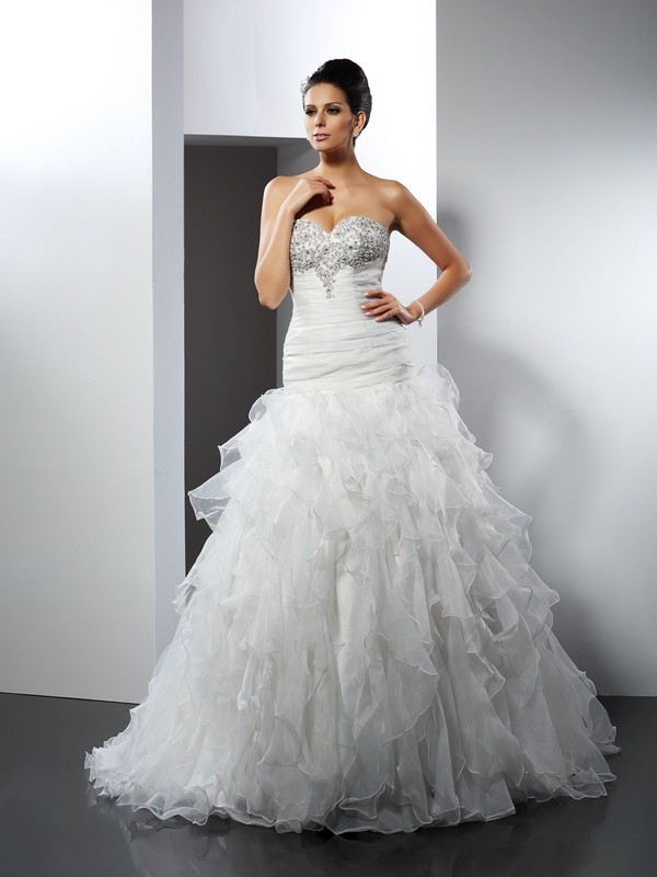Ball Gown Ruffles Sweetheart Sleeveless Court Train Tulle Wedding Dresses