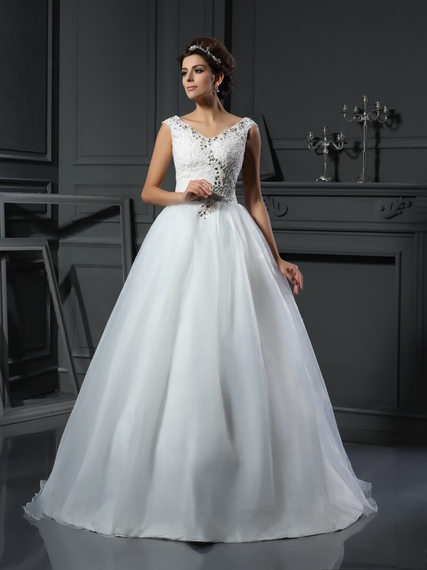 A-Line/Princess Beading V-neck Sleeveless Chapel Train Organza Wedding Dresses