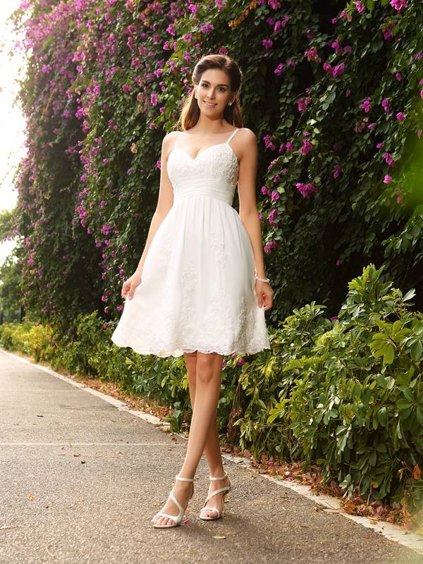 A-Line/Princess Applique Spaghetti Straps Sleeveless Knee-Length Lace Wedding Dresses