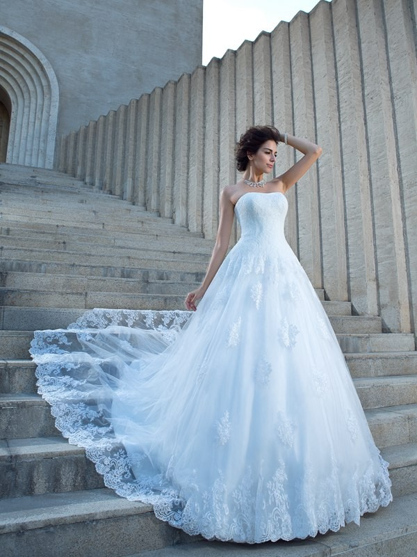 Ball Gown Applique Spaghetti Straps Sleeveless Chapel Train Satin Wedding Dresses