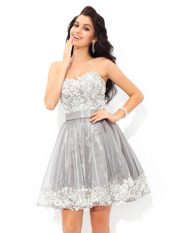 A-Line/Princess Lace Sweetheart Sleeveless Short/Mini Tulle Dresses