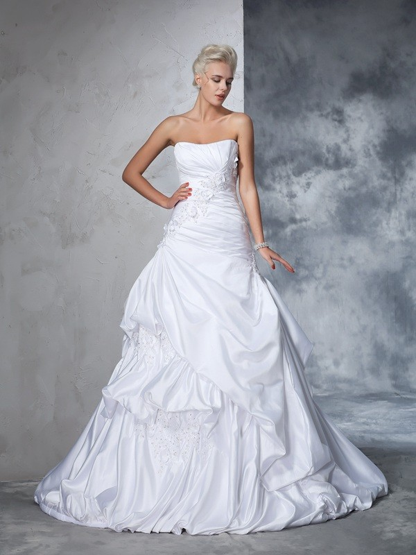 Ball Gown Applique Strapless Sleeveless Chapel Train Satin Wedding Dresses