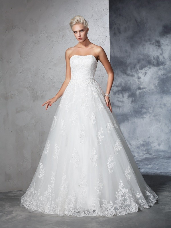 Ball Gown Lace Strapless Sleeveless Court Train Lace Wedding Dresses