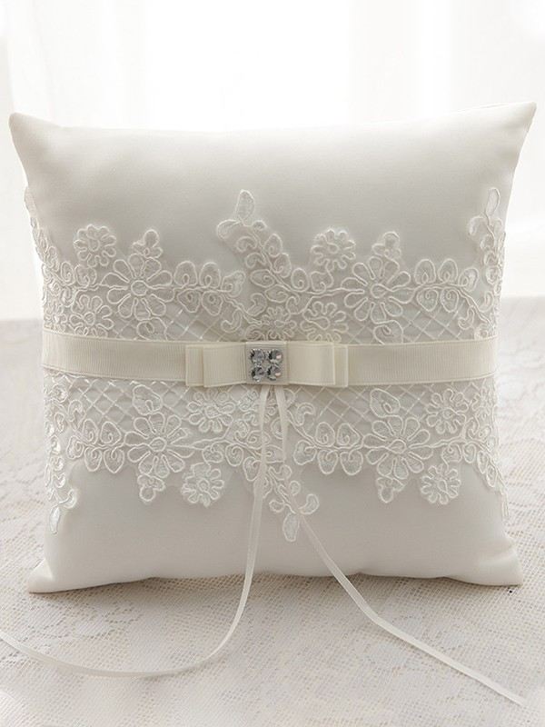 Charming Ring Pillow In Satin With Lace