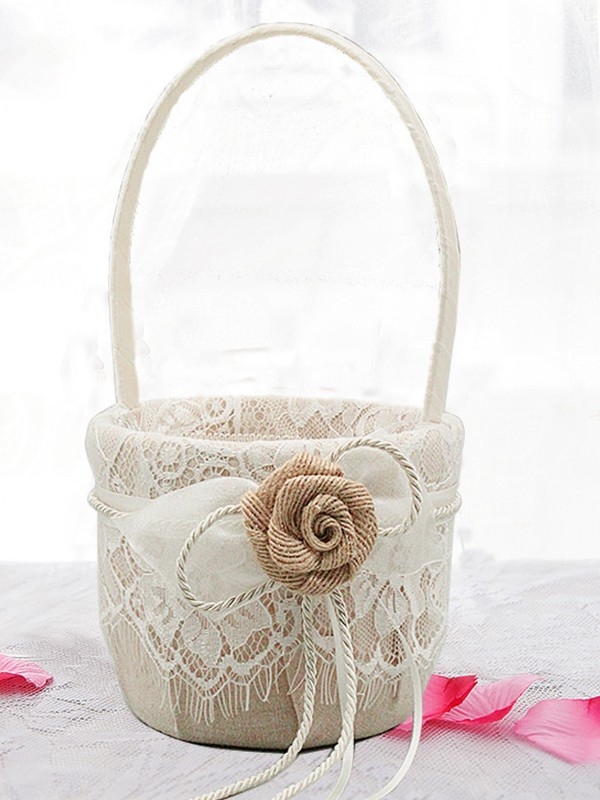 Stunning Flower Basket In Plastic With Lace/Flower