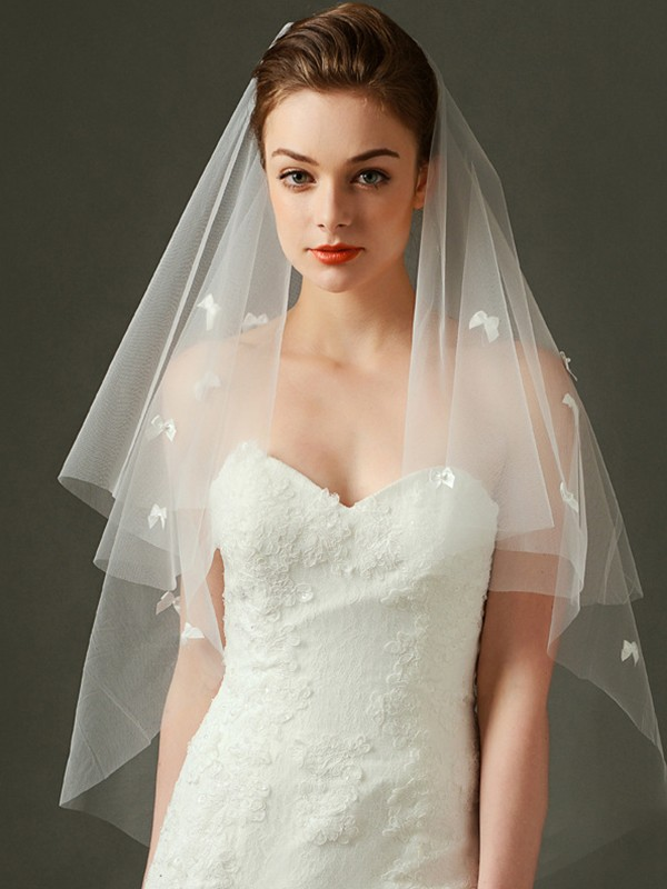 Beautiful Tulle With Bowknot Two Tier Fingertip Wedding Veils