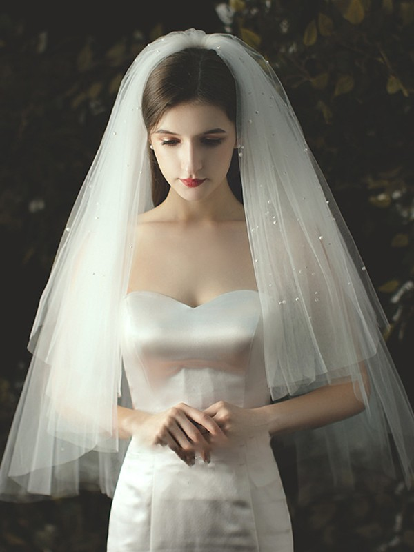 Delicate Tulle With Pearl Cut Edge Fingertip Wedding Veils