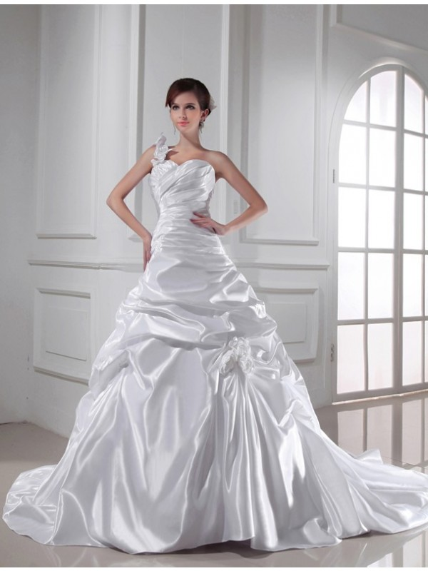 A-Line/Princess Pleats Sweetheart Sleeveless Chapel Train Elastic Woven Satin Wedding Dresses