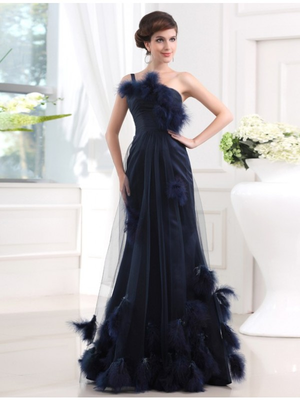 Trumpet/Mermaid Feathers/Fur One-Shoulder Sleeveless Floor-Length Tulle Dresses