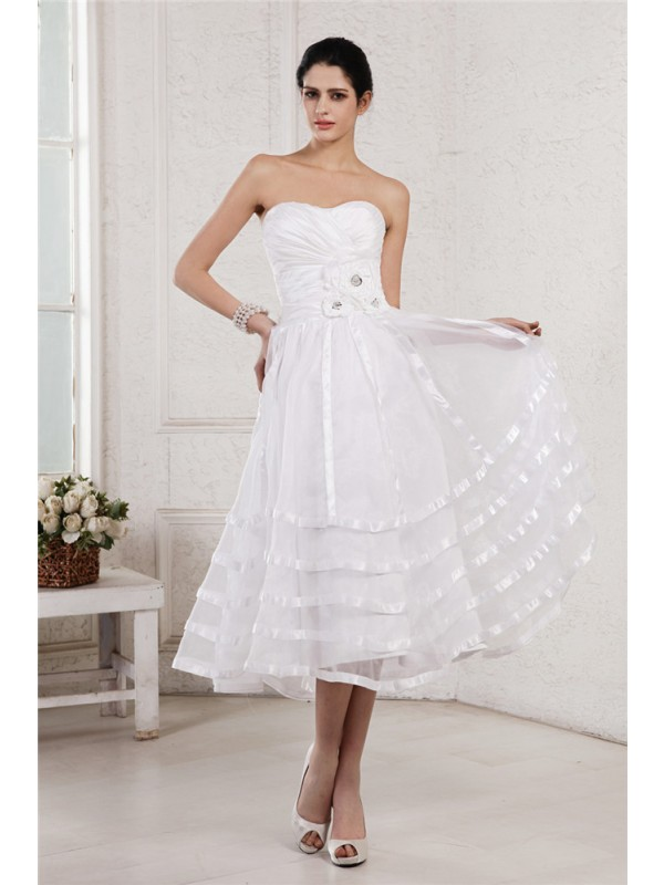 A-Line/Princess Hand-Made Flower Strapless Sleeveless Tea-Length Organza Wedding Dresses