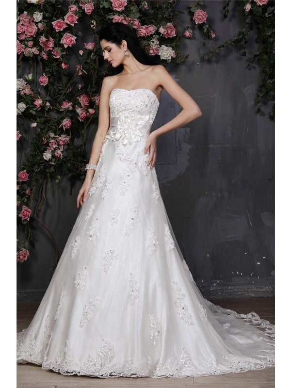 A-Line/Princess Beading Strapless Sleeveless Chapel Train Net Wedding Dresses