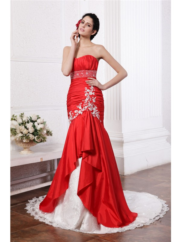 Trumpet/Mermaid Beading Strapless Sleeveless Court Train Taffeta Wedding Dresses