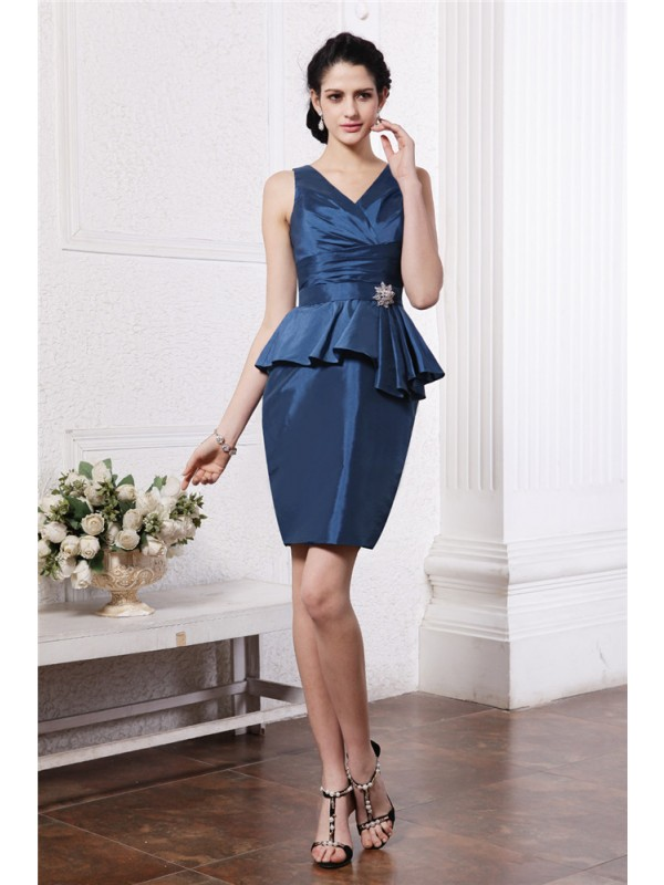 Sheath/Column Beading V-neck Sleeveless Short/Mini Taffeta Dresses