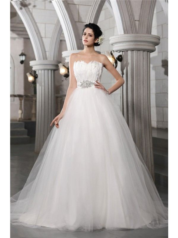 Ball Gown Beading Strapless Sleeveless Chapel Train Net Wedding Dresses