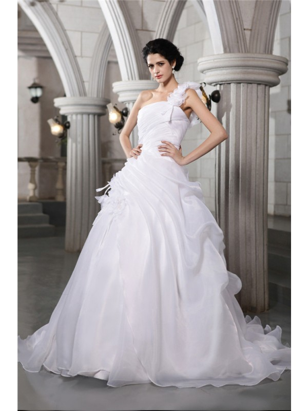 Ball Gown Pleats One-Shoulder Sleeveless Chapel Train Organza Wedding Dresses