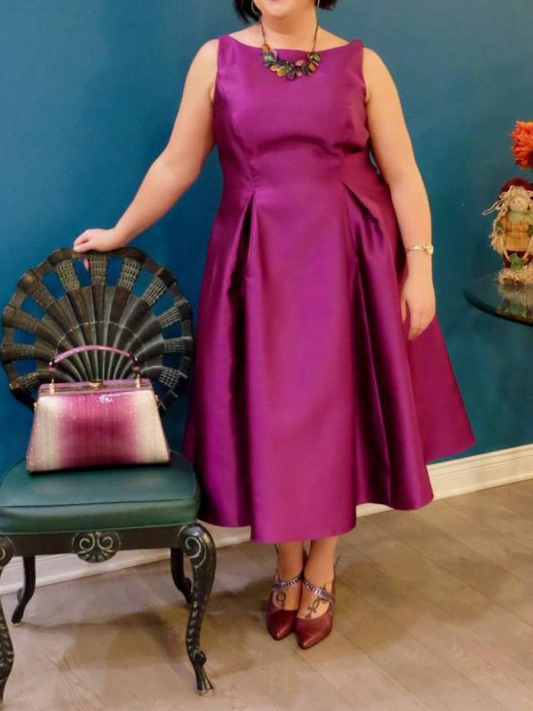 A-Line/Princess Ruched Bateau Sleeveless Tea-Length Satin Plus Size Dresses