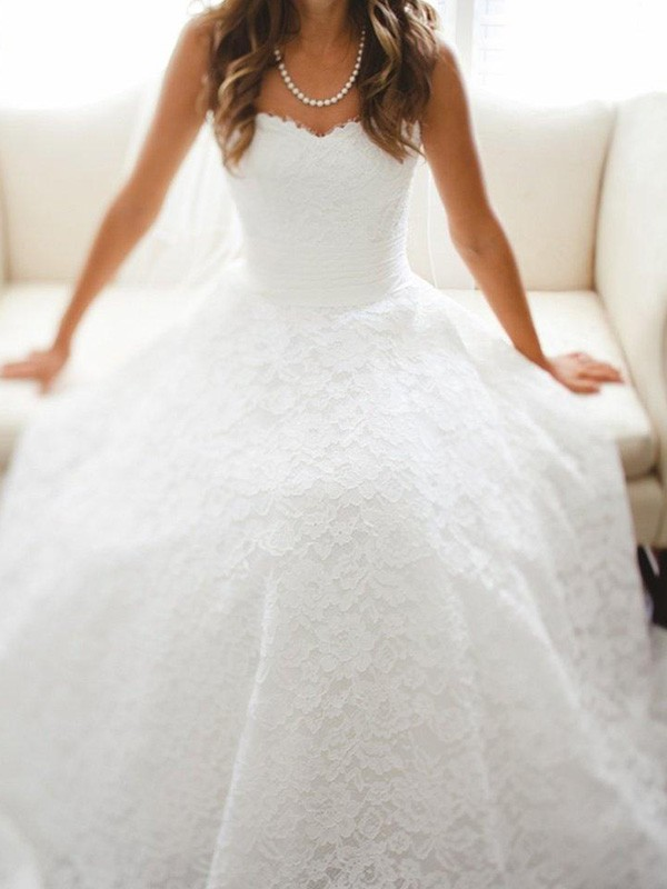 A-Line/Princess Lace Sweetheart Sleeveless Cathedral Train Lace Wedding Dresses