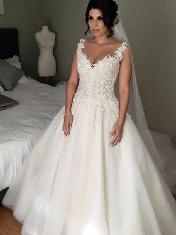Ball Gown Applique V-neck Sleeveless Court Train Tulle Wedding Dresses