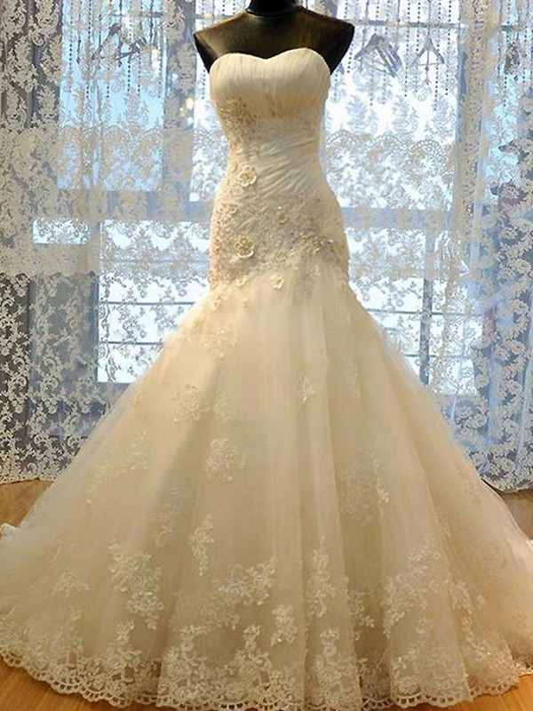 Trumpet/Mermaid Applique Sweetheart Sleeveless Court Train Tulle Wedding Dresses