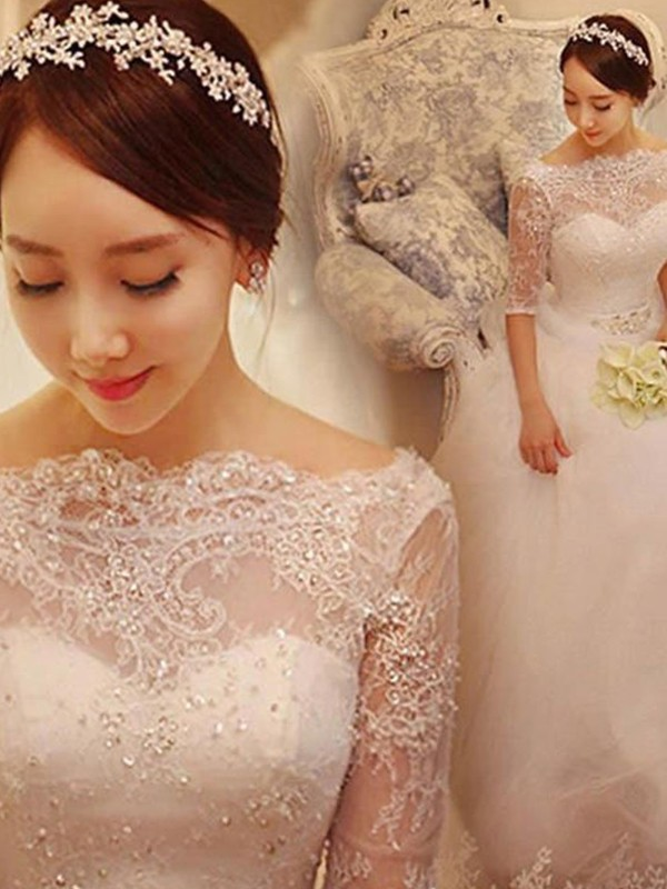 Trumpet/Mermaid Lace V-neck 3/4 Sleeves Court Train Tulle Wedding Dresses