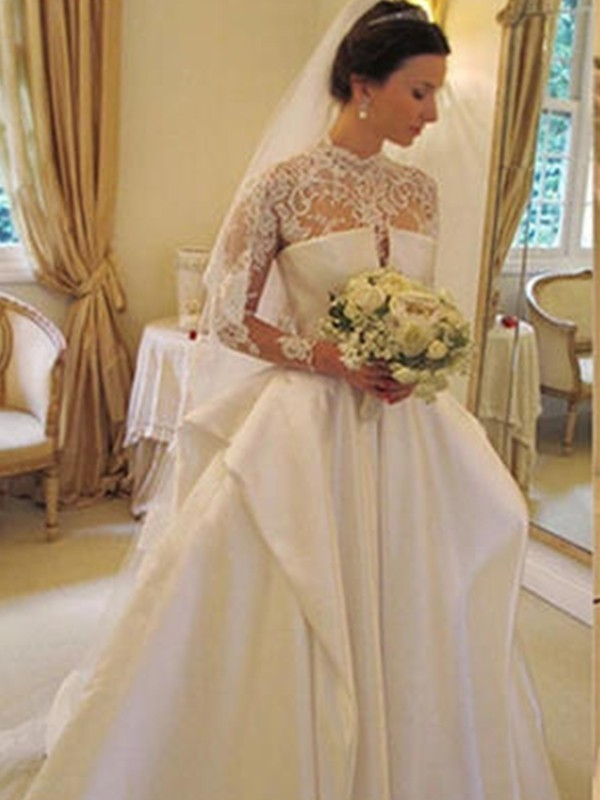 Trumpet/Mermaid Applique Square Long Sleeves Chapel Train Organza Wedding Dresses