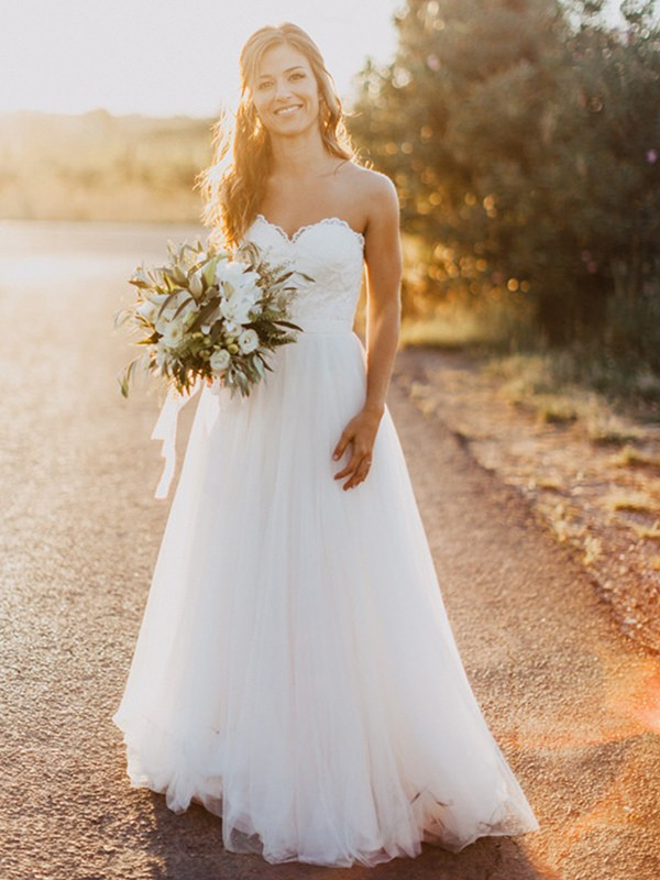A-Line/Princess Ruched Sweetheart Sleeveless Floor-Length Tulle Wedding Dresses