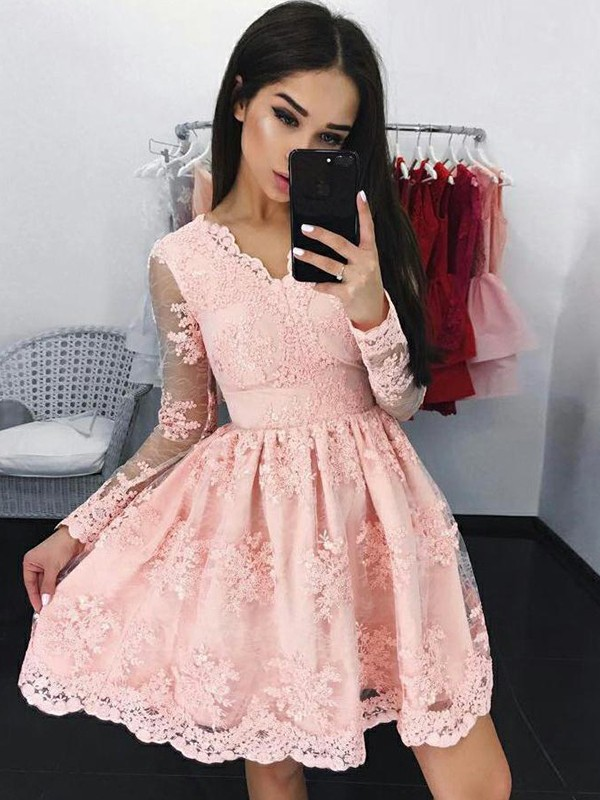 A-Line/Princess Applique V-neck Long Sleeves Short/Mini Lace Dresses