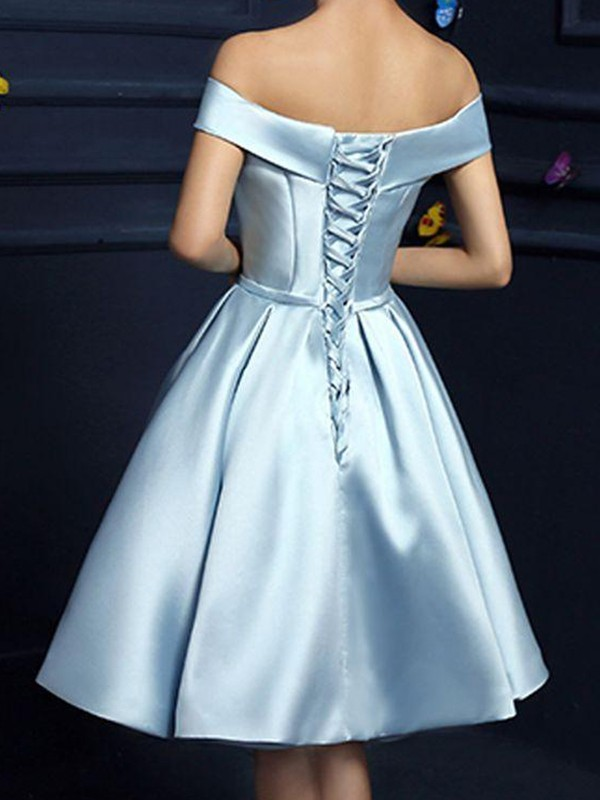 A-Line/Princess Bowknot Off-the-Shoulder Sleeveless Knee-Length Satin Dresses