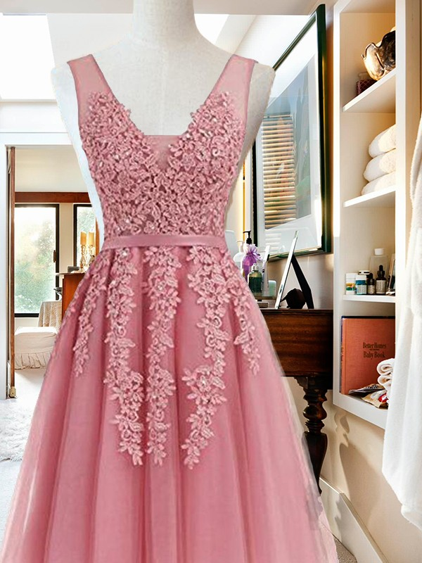 A-Line/Princess Applique V-neck Sleeveless Short/Mini Tulle Dresses