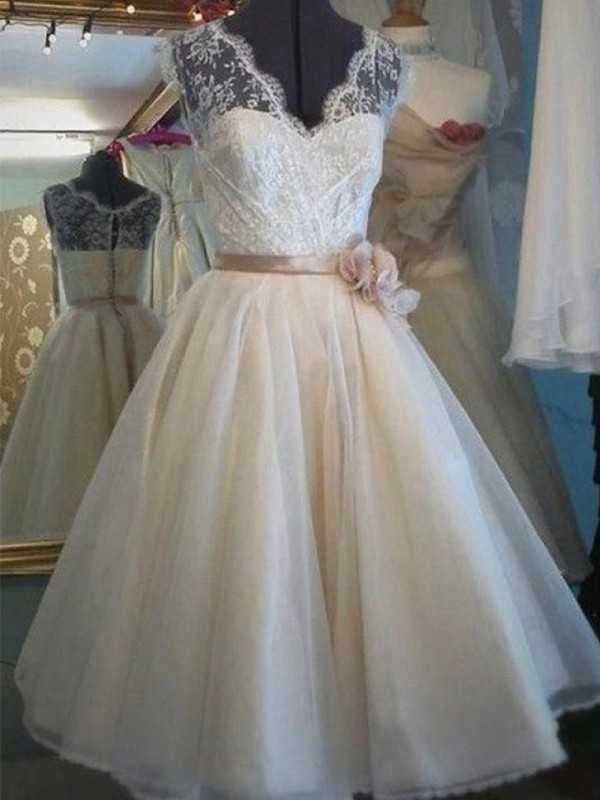 A-Line/Princess Sash/Ribbon/Belt V-neck Sleeveless Knee-Length Tulle Wedding Dresses