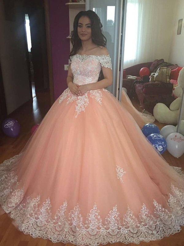 Ball Gown Lace Off-the-Shoulder Sleeveless Court Train Tulle Dresses