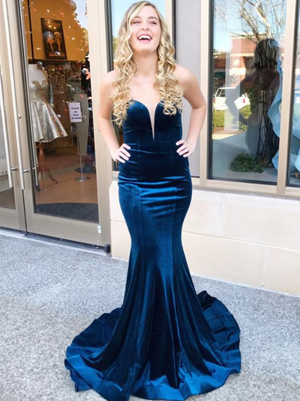 Trumpet/Mermaid Sleeveless Sweetheart Sweep/Brush Train Ruffles Velvet Dresses