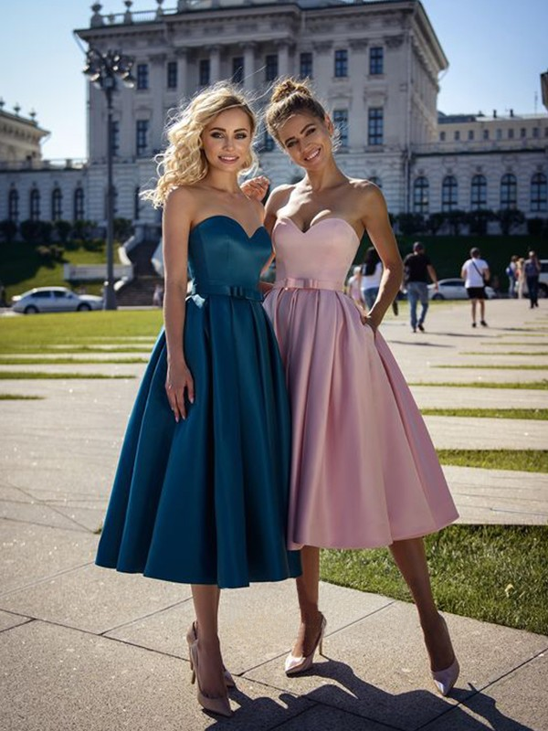 A-Line/Princess Satin Bowknot Sweetheart Sleeveless Tea-Length Homecoming Dresses