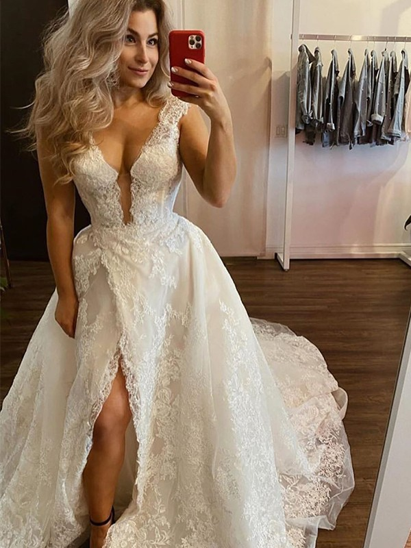 A-Line/Princess V-neck Tulle Sleeveless Applique Sweep/Brush Train Wedding Dresses