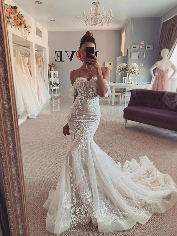 Trumpet/Mermaid Tulle Applique Sleeveless Off-the-Shoulder Sweep/Brush Train Wedding Dresses