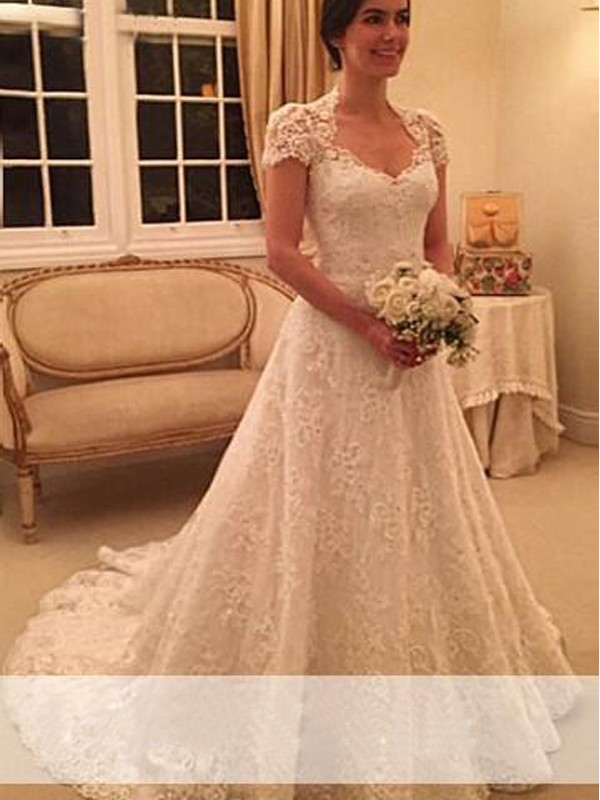 A-Line/Princess Lace Sweetheart Short Sleeves Court Train Lace Wedding Dresses
