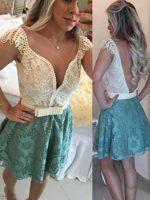 A-Line/Princess Beading V-neck Sleeveless Short/Mini Lace Dresses