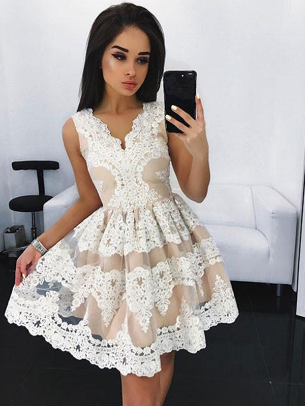A-Line/Princess Lace V-neck Sleeveless Short/Mini Tulle Dresses